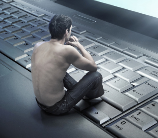 Man Sitting On Keyboard - Obrázkek zdarma pro 320x320