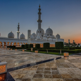 Sheikh Zayed Grand Mosque in Abu Dhabi - Obrázkek zdarma pro iPad 2