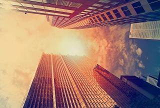 Sunlight On Skyscrapers - Obrázkek zdarma pro Nokia X5-01