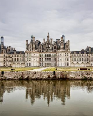 Chateau de Chambord French Renaissance Castle - Obrázkek zdarma pro iPhone 4S