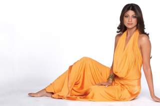 Shilpa Shetty in Orange Dress - Obrázkek zdarma pro Desktop Netbook 1024x600