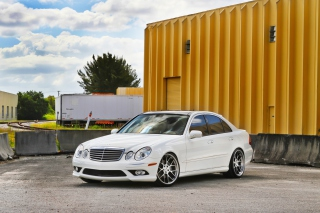 Mercedes Benz E350 Picture for Android, iPhone and iPad