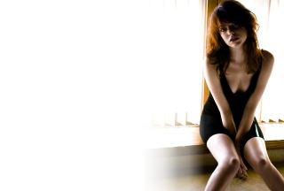 Emma Stone Black Dress Wallpaper for Android, iPhone and iPad