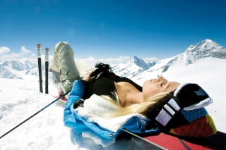 Skiing Girl Picture for Android, iPhone and iPad