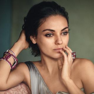 Mila Kunis American actress - Obrázkek zdarma pro 1024x1024