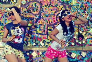 Graffiti Girl - Obrázkek zdarma pro Motorola DROID 3
