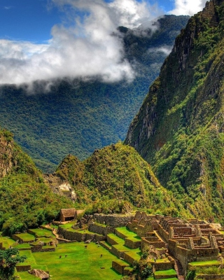Machu Picchu In Peru - Obrázkek zdarma pro Nokia Asha 203