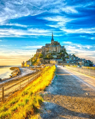 Normandy, Mont Saint Michel HDR - Obrázkek zdarma pro Nokia 5233
