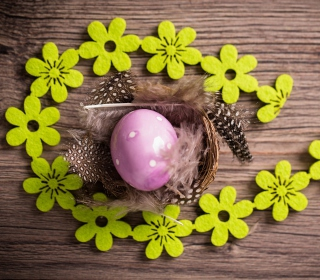 Purple Egg, Feathers And Green Flowers - Obrázkek zdarma pro iPad mini 2