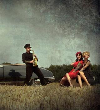 Vintage Saxophone - Obrázkek zdarma pro iPad 2