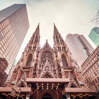 St Patricks Cathedral In New York - Obrázkek zdarma pro iPad mini