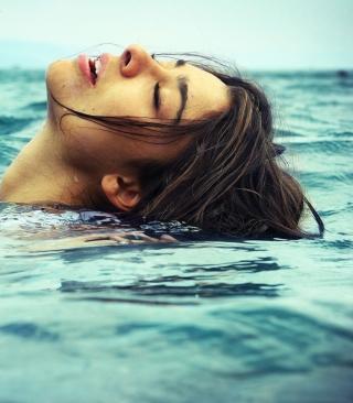 Swimming - Obrázkek zdarma pro iPhone 6