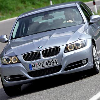 BMW 3 Series E90 325i - Obrázkek zdarma pro iPad 2