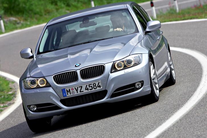 BMW 3 Series E90 325i wallpaper