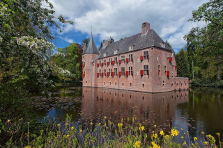 Oude Loo Castle in Apeldoorn in Netherlands - Obrázkek zdarma pro Widescreen Desktop PC 1920x1080 Full HD