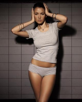 Megan Fox 2013 - Obrázkek zdarma pro Nokia Asha 308