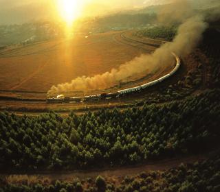 Train On Railway - Obrázkek zdarma pro iPad