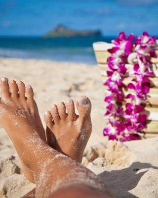 Relax on Barnes Bay Beach, Anguilla - Obrázkek zdarma pro Nokia C6-01