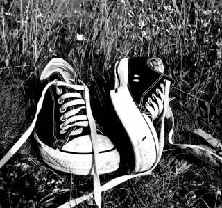 Chucks Schwarz Converse - Obrázkek zdarma pro 128x128