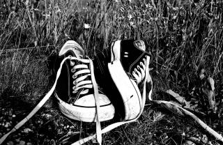 Chucks Schwarz Converse - Obrázkek zdarma pro 1400x1050