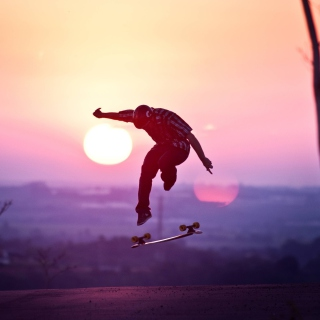 Sunset Skateboard Jump - Obrázkek zdarma pro iPad 2