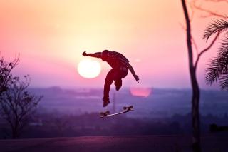 Sunset Skateboard Jump - Obrázkek zdarma pro Android 600x1024