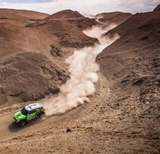 Mini Cooper Rally - Obrázkek zdarma pro iPad Air