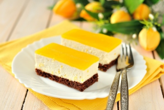 Free Yellow Souffle Dessert Picture for Android, iPhone and iPad