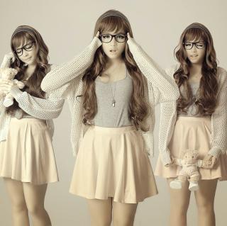 Girl In Funny Glasses - Obrázkek zdarma pro 1024x1024