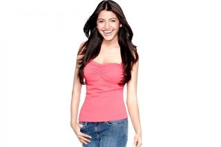 Anushka Sharma Bollywood - Obrázkek zdarma pro 480x320