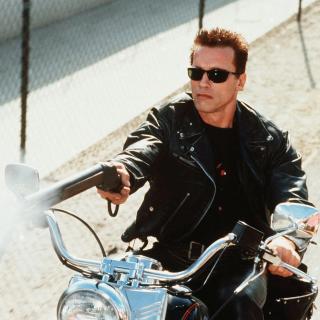 Arnold Schwarzenegger in Terminator 2 - Obrázkek zdarma pro iPad mini 2