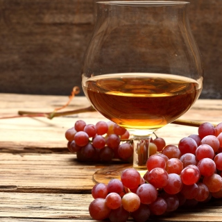 Cognac and grapes - Obrázkek zdarma pro 320x320