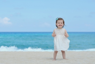 Little Angel At Beach - Obrázkek zdarma pro Samsung P1000 Galaxy Tab