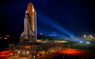 Free Space Shuttle Discovery Picture for Android, iPhone and iPad