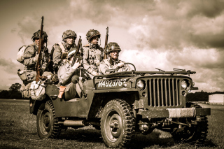 Soldiers on Jeep - Obrázkek zdarma pro Widescreen Desktop PC 1920x1080 Full HD