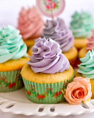 Birthday Cupcakes - Obrázkek zdarma pro Nokia Asha 306