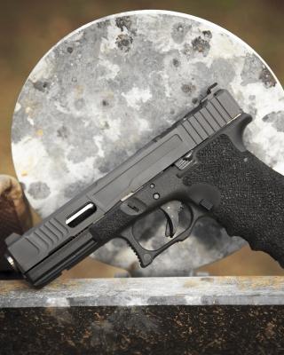 Glock 17 Austrian Pistol - Obrázkek zdarma pro 320x480