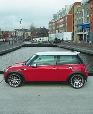 Red Mini Cooper Holland - Obrázkek zdarma pro 480x800