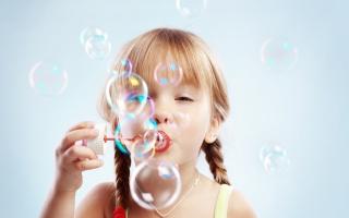 Bubble Time - Obrázkek zdarma pro 1366x768