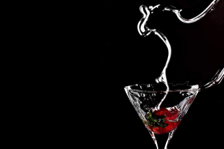 Free Dark Cocktail Picture for Android, iPhone and iPad