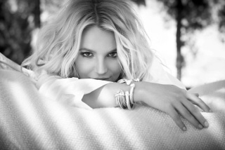 Britney Spears - Obrázkek zdarma pro Nokia Asha 302