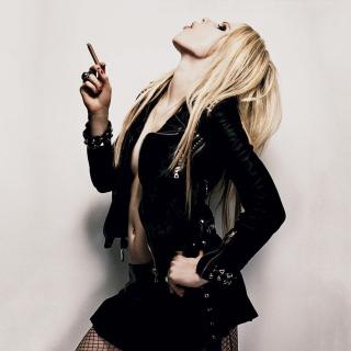Avril Lavigne Smoking - Obrázkek zdarma pro 1024x1024