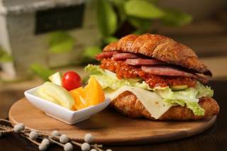 Free Croissant with ham Picture for Android, iPhone and iPad