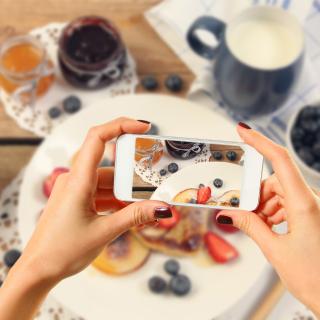 Cake for Instagram - Obrázkek zdarma pro iPad