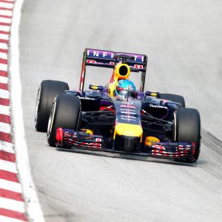 Formula 1 Rauch - Obrázkek zdarma pro iPad mini 2