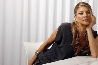 Fergie - Obrázkek zdarma pro Samsung Galaxy S6