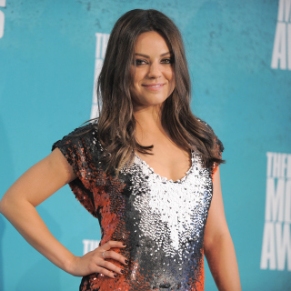Mila Kunis at MTV Movie Awards - Obrázkek zdarma pro iPad