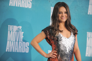 Mila Kunis at MTV Movie Awards - Obrázkek zdarma pro LG P500 Optimus One