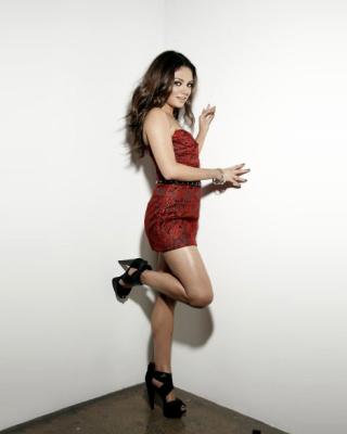 Mila Kunis Photo - Obrázkek zdarma pro Nokia Asha 203