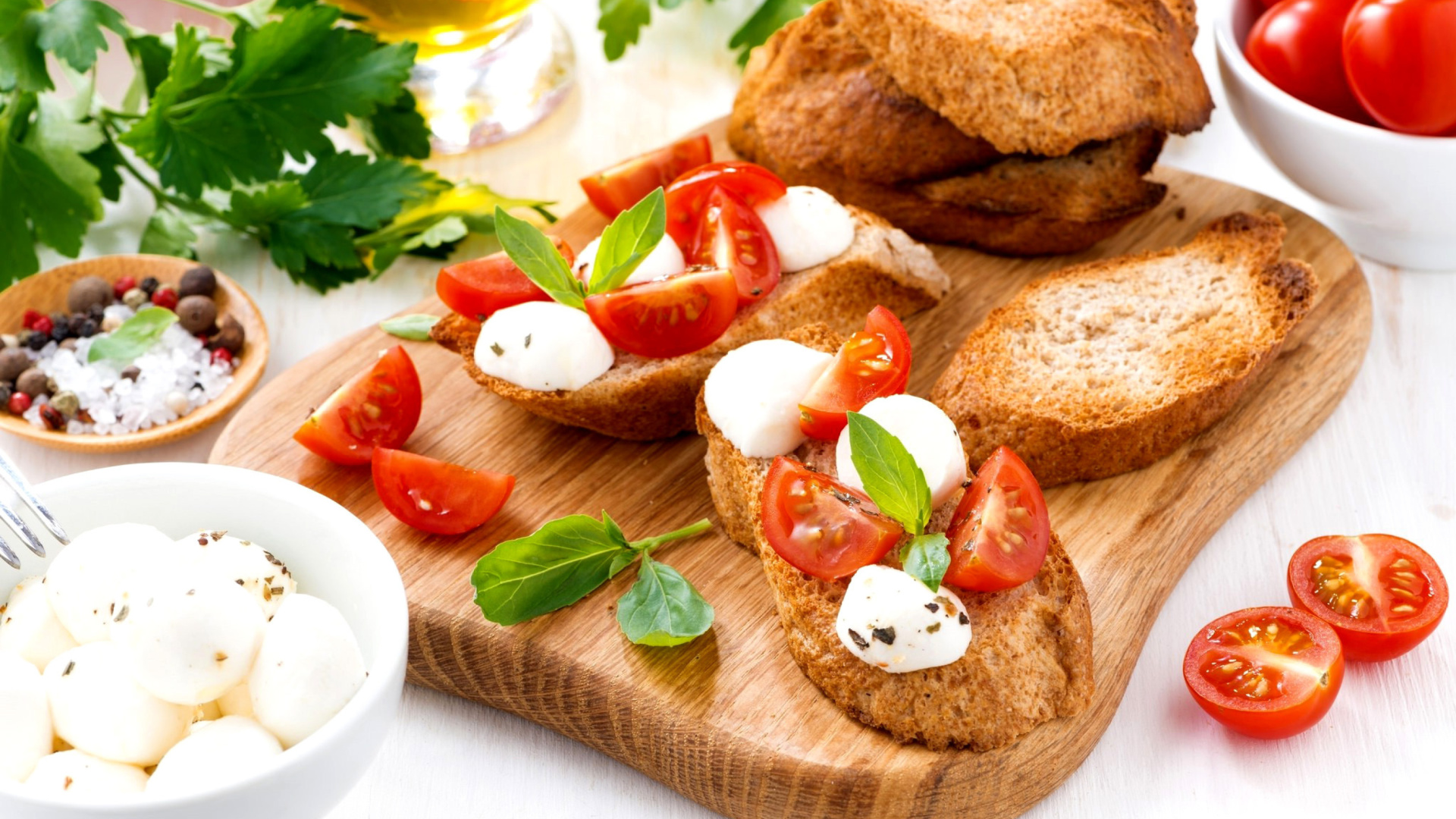 Canape bruschetta mozzarella tomatoes wallpaper for for Mozzarella canape